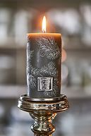 SMALL FEATHER CANDLE GREY 7X13